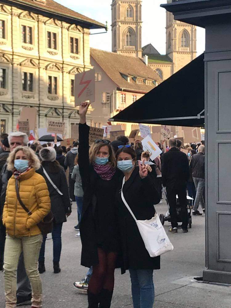Protest in support for Polish women, Zurich (Radka Denemarková)